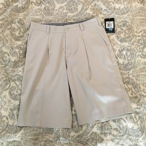 Nike golf shorts NWT